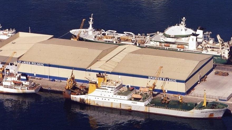 Imagen de archivo de Spanish Pelagic, en el puerto grancanario, una de las  empresas de frío afectadas por la prohibición de descargas.