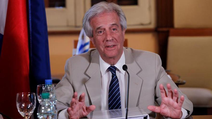 """Presidente uruguayo afirma """"hay que abrirse al mundo para colocar productos"""""""