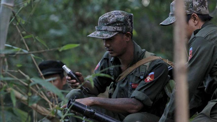 Al menos 17 muertos y 2.000 evacuados por combates en el noreste de Birmania