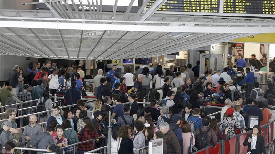 EEUU registró un récord de 928,9 millones de pasajeros aéreos en 2016