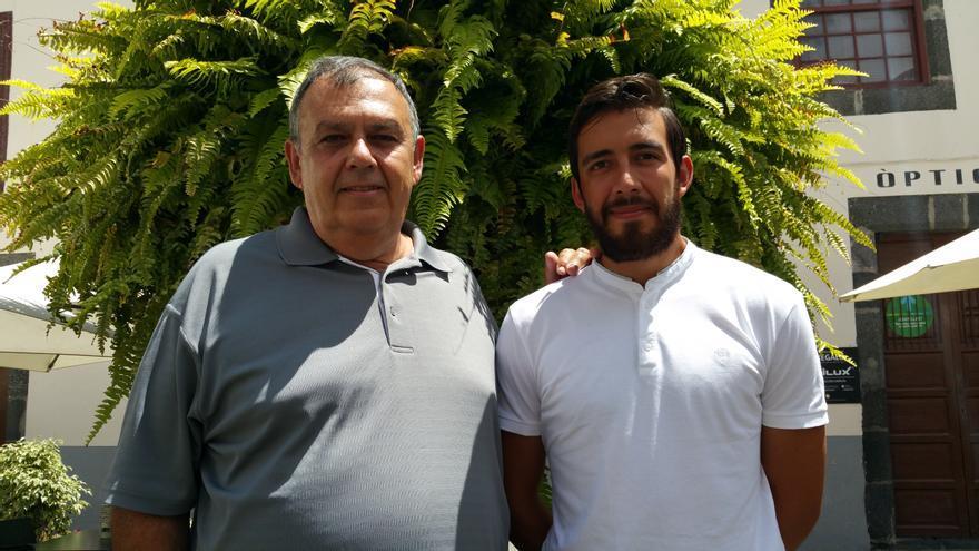 Luis Martín y David han viajado a la Isla para comprar semilla de tagasaste. Foto: LUZ RODRÍGUEZ.