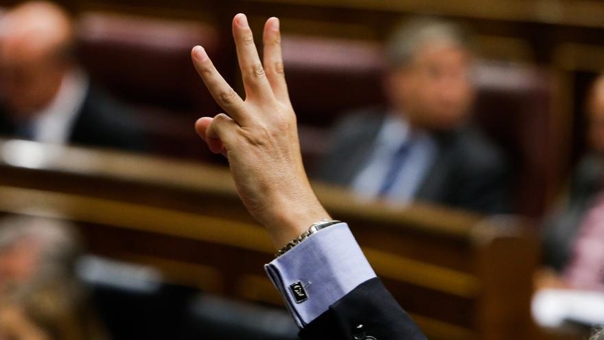 La reforma exprés del TC supera su primera votación en el Congreso con el voto de PP, UPN y Foro