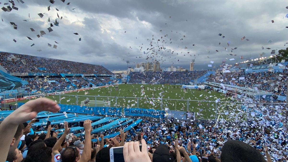 La hinchada de Belgrano