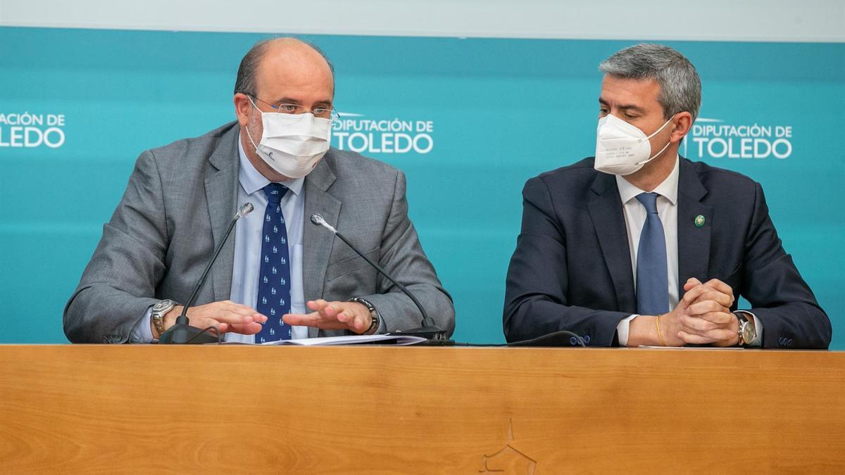 José Luis Martínez Guijarro, vicepresidente de Castilla-la Mancha con el presidente de la Diputación de Toledo
