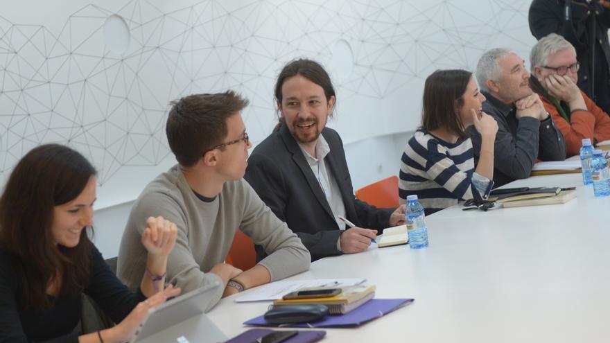 Primera reunión del gobierno en la sombra de Podemos.