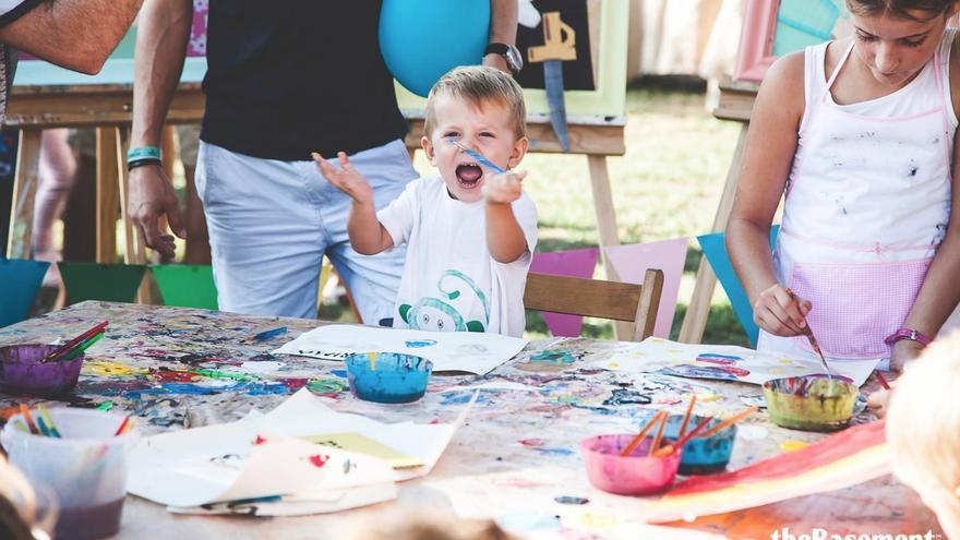 Actividades infantiles del Día de Parque en los Jardines de Viveros de Valencia.