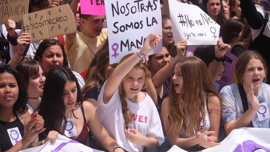 Jóvenes de Sevilla se manifiestan en Sevilla tras la sentencia de La Manada