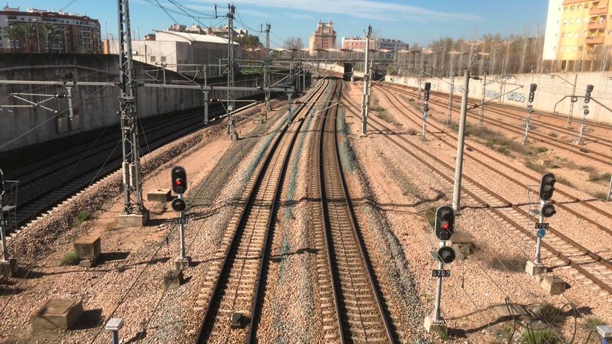 Imagen de las vías del tren en Córdoba.