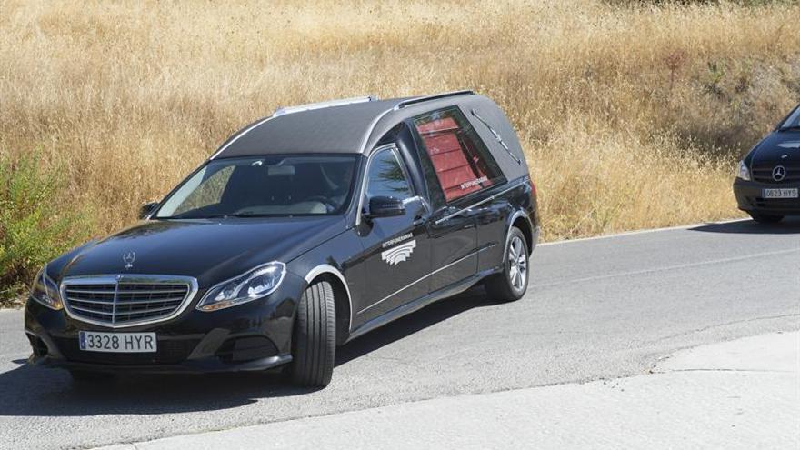 Llegan al tanatorio de Alfacar (Granada) los restos mortales de Ana Huete
