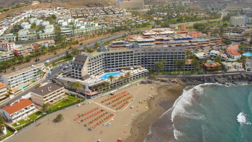 Línea de costa con establecimientos hoteleros, en el sur de Gran Canaria
