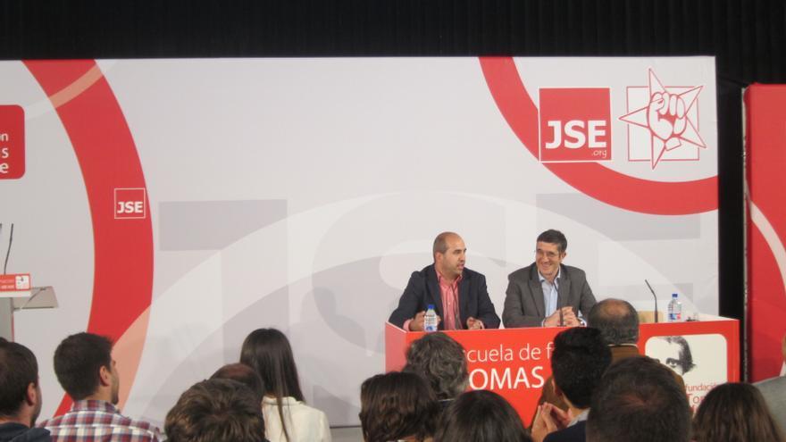 """Patxi López reconoce """"el abandono de la izquierda de su responsabilidad"""" ante el neoliberalismo"""