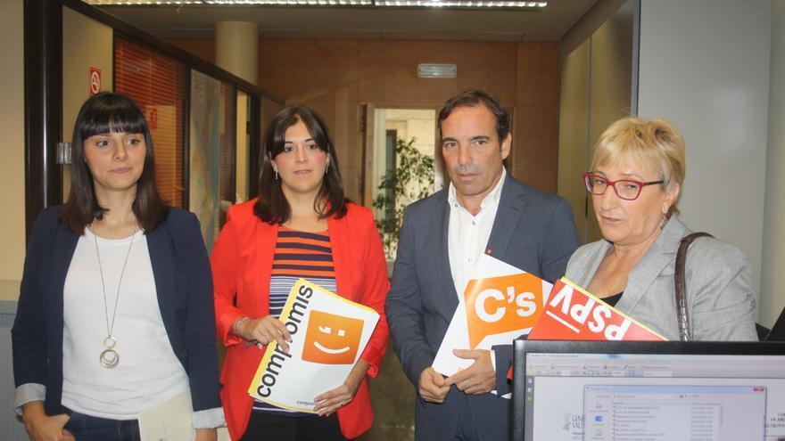 Sandra Mínguez (Podemos), Belén Bachero (Compromís), Tony Woodward (Ciudadanos) y Ana Barceló (PSPV) presentan el plan de trabajo