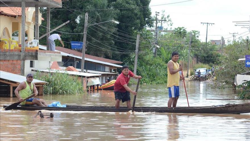 Inundaciones en Perú causan heridos y damnificados