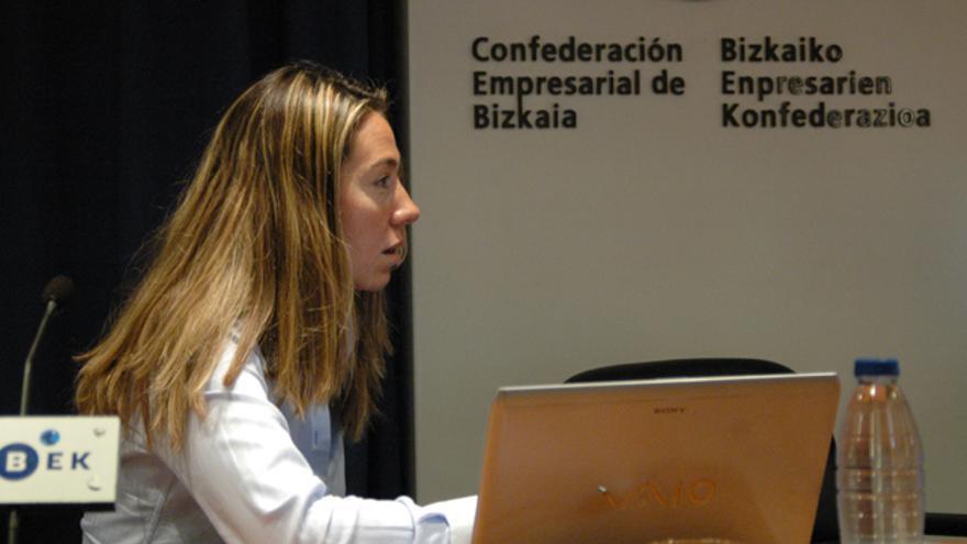 Eunate Ramírez participa en unas jornadas organizadas por CEBEK. /Gontzal Sáenz.
