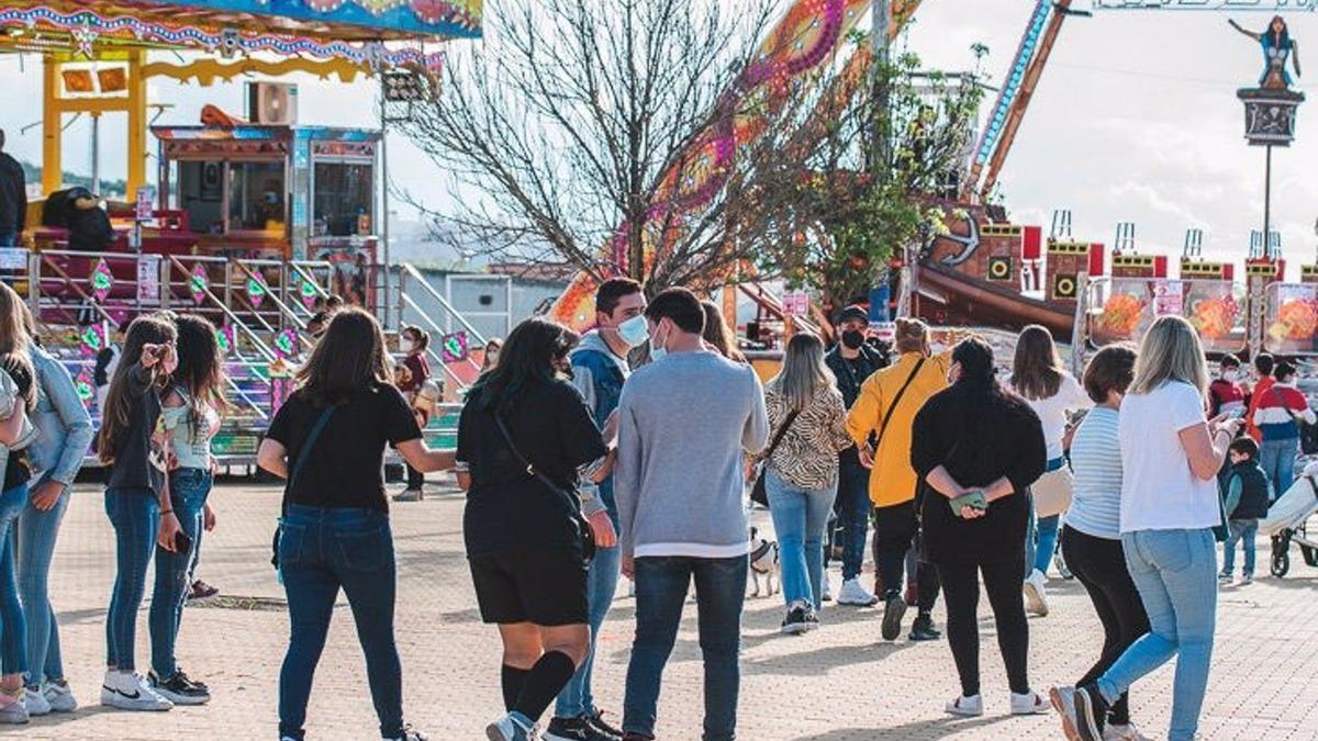 Público asistente la Feria de la Primavera de Lucena, en una imagen de archivo.