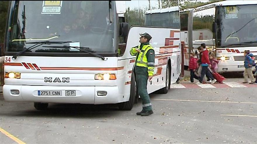Tráfico pone en marcha mañana una campaña de control del transporte escolar