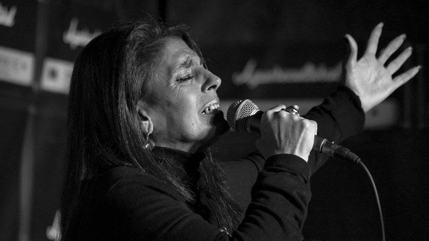 La cantante Luisa Machado durante una actuación.