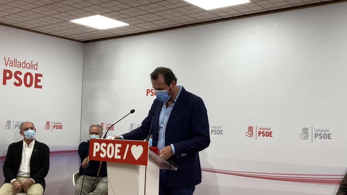 El alcalde de Valladolid, Óscar Puente, en la sede del PSOE de Valladolid.