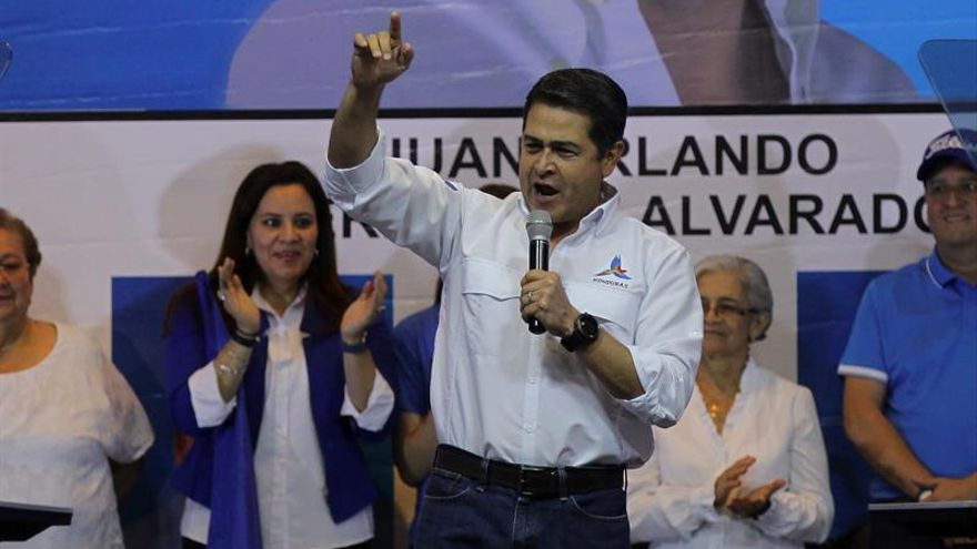 Tribunal condena a tres personas por intentar matar al presidente de Honduras