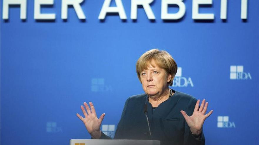 """Los """"sabios"""" rebajan las previsiones y critican la política económica de Merkel"""
