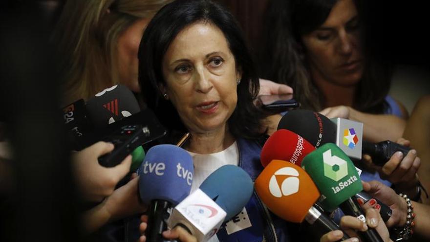 """Robles muestra el orgullo del PSOE por los alcaldes del PSC que están """"dando la cara"""""""