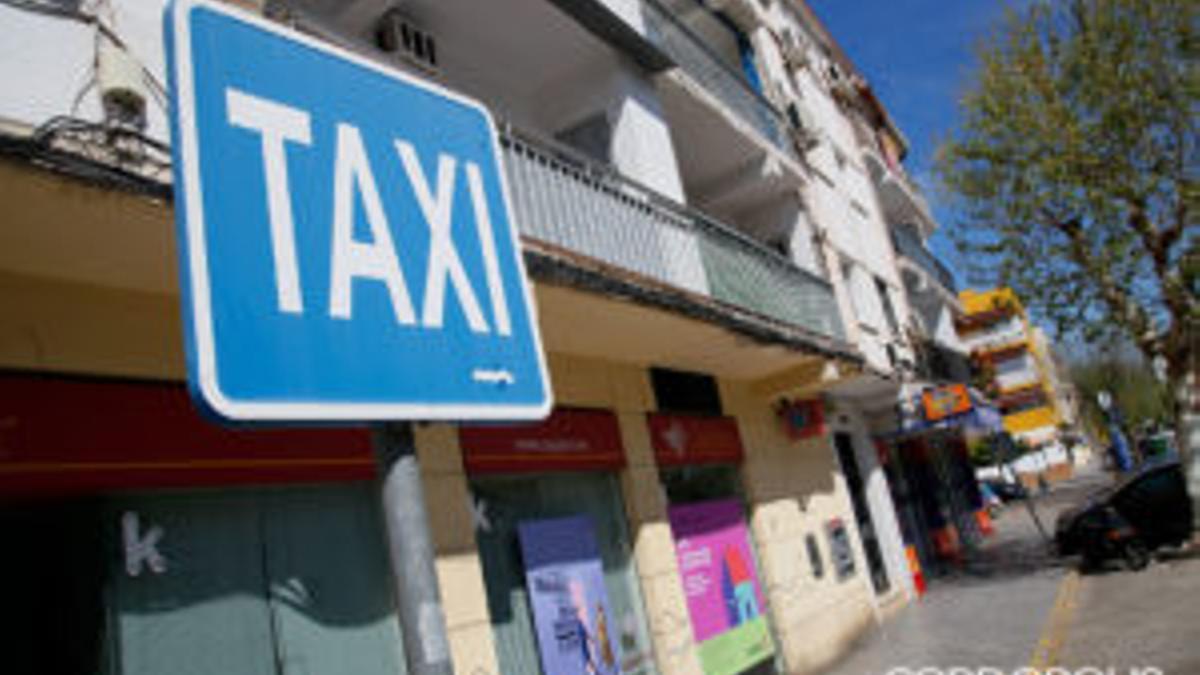 Una parada de taxi en Córdoba.