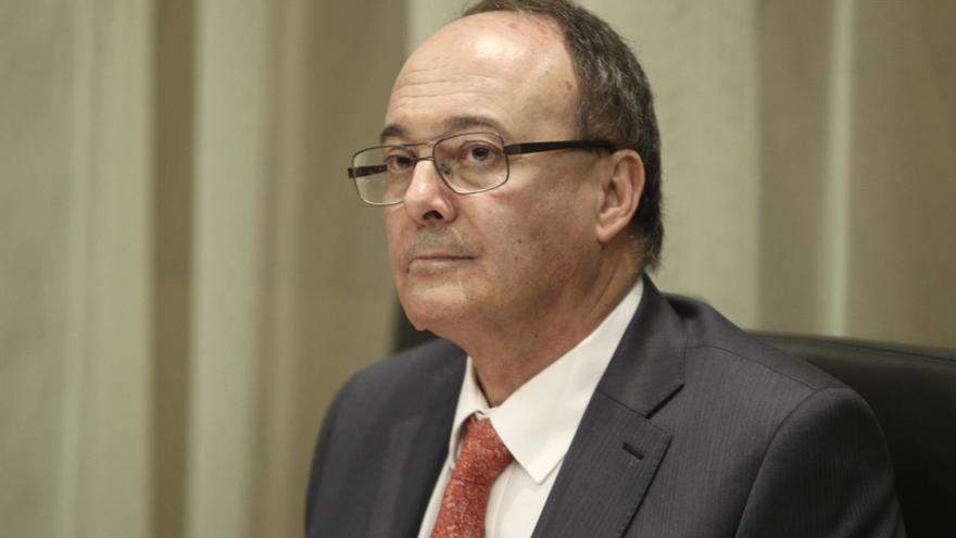 Linde dice que si Cataluña se separa de España debería tener un supervisor y una moneda propios