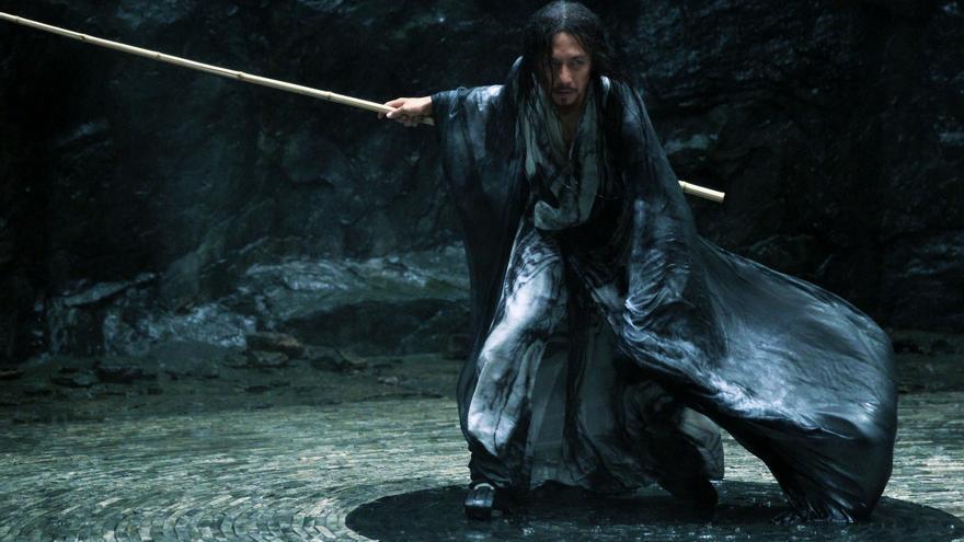 Deng Chao en el papel del comandante Zi Yu, uno de los dos personajes que interpreta en la película