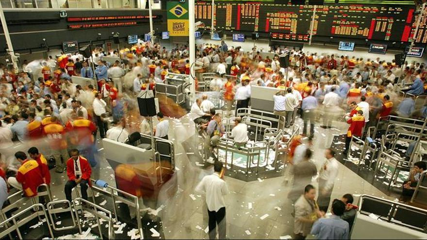 Los mercados de América Latina cierran en rojo tras una inestable sesión en Wall Street