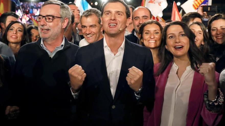 """Rivera prevé sorpresa electoral y llama a los moderados """"a moderar España"""""""