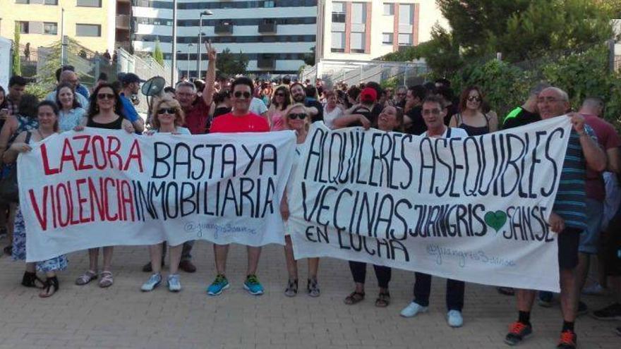 Vecinos de un bloque de VPO de San Sebastián de los Reyes vendido al fondo Lazora/Vecinos afectados