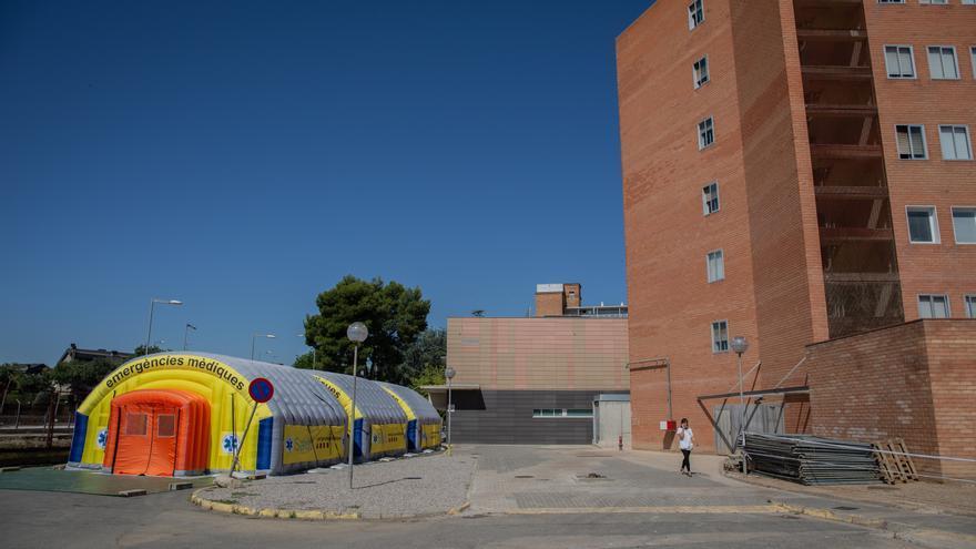 Hospital de campaña para atender a enfermos de coronavirus junto al Hospital Universitario Arnau de Vilanova de Lleida, capital de la comarca del Segrià, en Lleida, Catalunya (España), a 6 de julio de 2020. El presidente de la Generalitat, Quim Torra, anu
