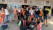 Los becados canarios en el aeropuerto de Banjul, Gambia, el día de su regreso a Gran Canaria.