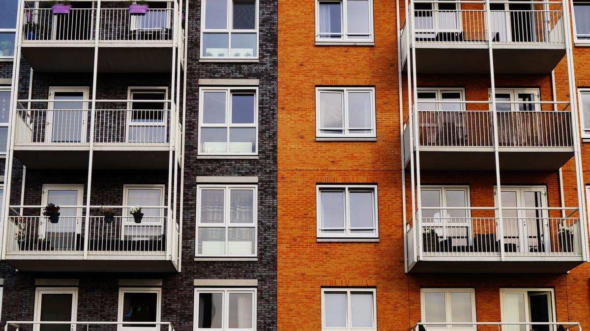 Vendo un piso o una casa: ¿qué impuestos tengo que pagar?