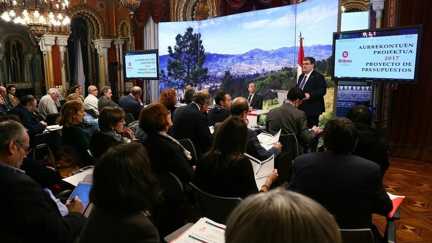 Aburto preside el Consejo Cívico de Bilbao ante cerca de 60 representantes municipales, sociales o culturales
