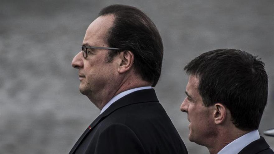 Hollande, impopular, defiende su presidencia con vistas a repetir candidatura