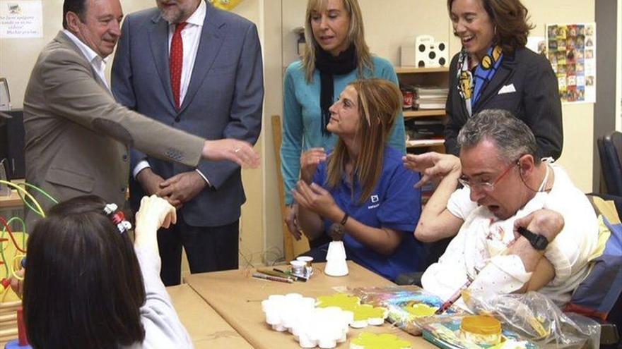 """Rajoy apela a gobernar para las personas con eficacia y """"mucha cordura"""""""