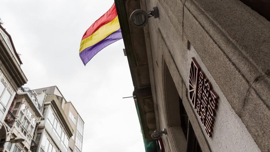 Bandera republicana en la Casa Museo Casares Quiroga