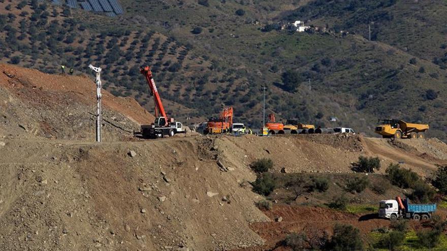 Surgen dificultades en el encamisado del túnel vertical para rescatar a Julen
