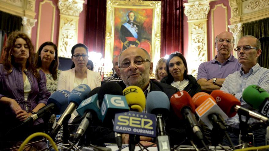 El PSOE decidirá hoy si el alcalde de Ourense debe dimitir tras escucharle