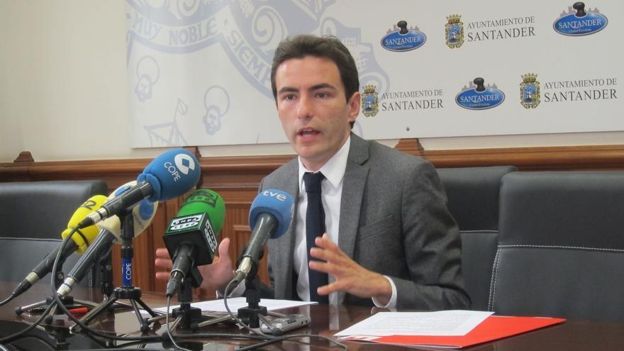 """Casares apuesta por una """"profunda renovación"""" del PSOE en Cantabria"""