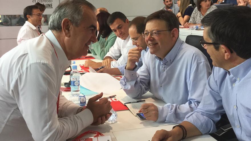 González Tovar habla con el presidente valenciano Ximo Puig