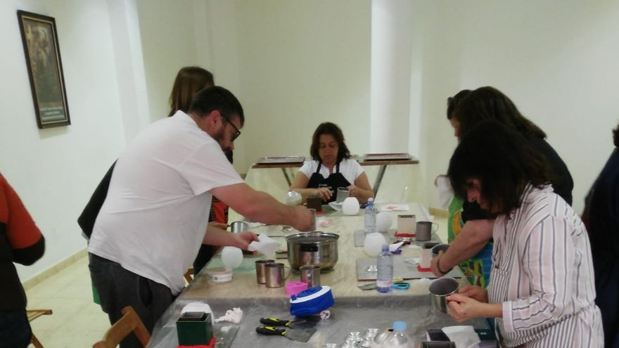 Curso-taller de perfeccionamiento de cerería organizado por la Consejería de Artesanía del Cabildo de La Palma
