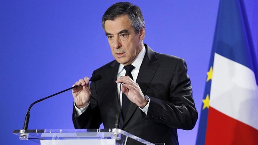 Fillon quiere renegociar Schengen para una mayor protección en las fronteras