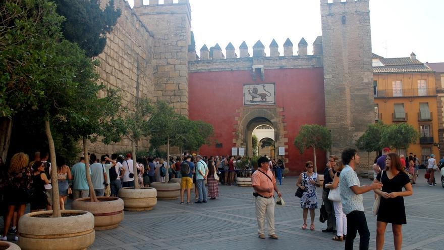 Participa urge a Espadas a subir el precio de la entrada del Alcázar y apoya la tasa turística