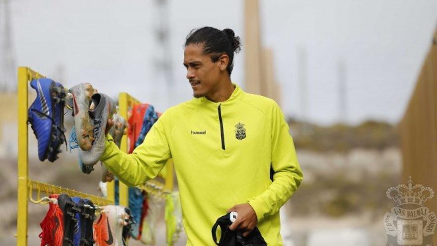 Mauricio Lemos, durante un entrenamiento de la escuadra amarilla