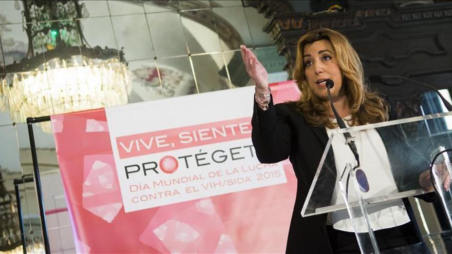 "Díaz asegura que si ""Rajoy se va a su casa"" se acabará el ""maltrato"" a Andalucía"