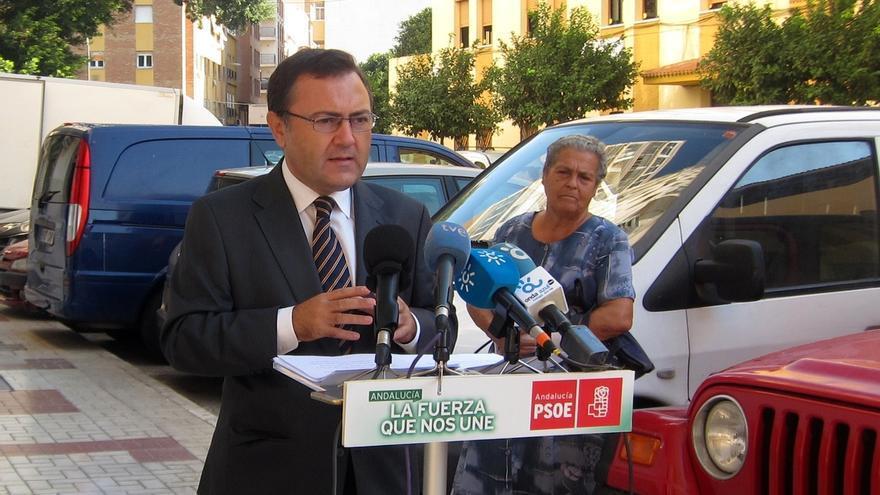 """PSOE-A pide la implicación del Gobierno y las entidades financieras para """"no dejar caer"""" a Abengoa"""