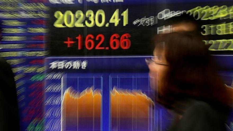 La Bolsa de Tokio abre con un descenso del 0,23 por ciento en 20.073,38 punto