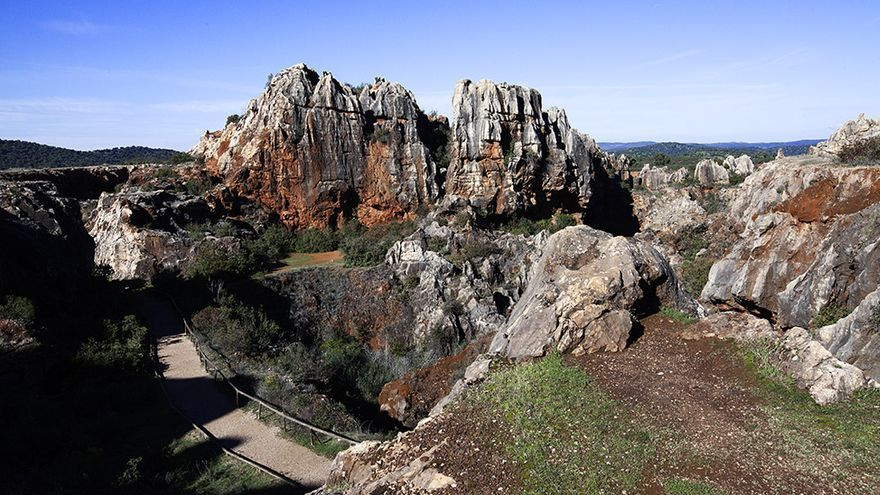 Resultado de imagen de Monumento Natural de Cerro de Hierro